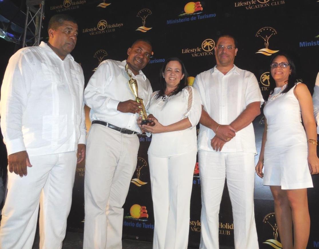 Lifestyle Holidays Vacation Resort recibe premios Caribbean Gold Coast Award