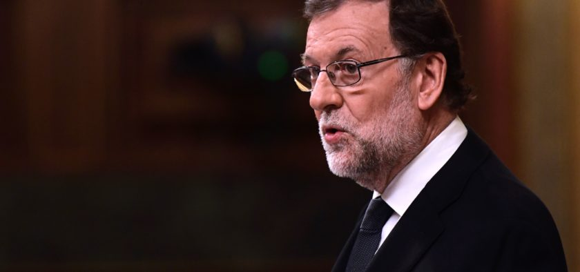 Spanish interim Prime Minister Mariano Rajoy speaks during the parliamentary investiture vote for a prime minister, at the Spanish Congress (Las Cortes) on October 29, 2016, in Madrid  Spain turns the page on a 10-month political crisis today as lawmakers ready to vote the conservatives back in power, although at the head of a government with unprecedented opposition.  / AFP / JAVIER SORIANO