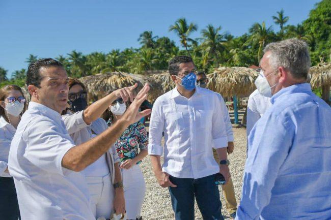 David Collado durante su recorrido por la Playa El Quemaito