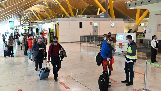 España exigirá PCR negativa a los viajeros de países de riesgo a partir del 23 de noviembre