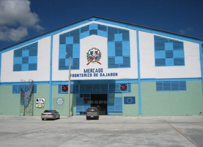 Mercado fronterizo entre República Dominicana y Haití