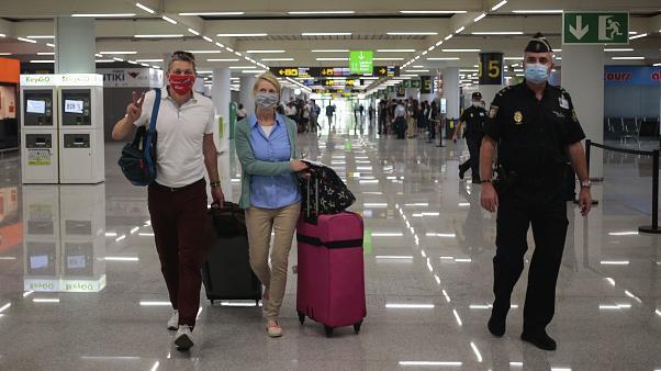 Nuevas restricciones de vuelos hacia España
