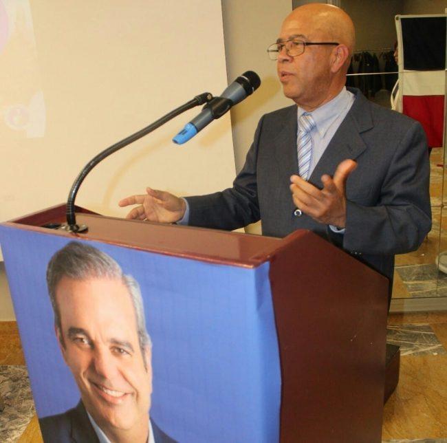 Julio regalado, encargado de Oficina del INDEX en Italia