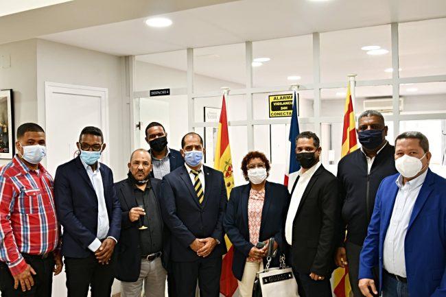 Nuevo cónsul César Méndez y sus vicecónsules toman posesión en Barcelona