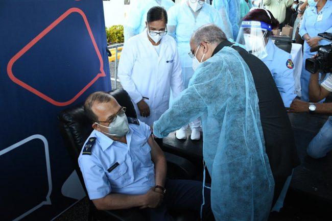¡Un día histórico! RD inicia jornada de vacunación contra la COVID-19