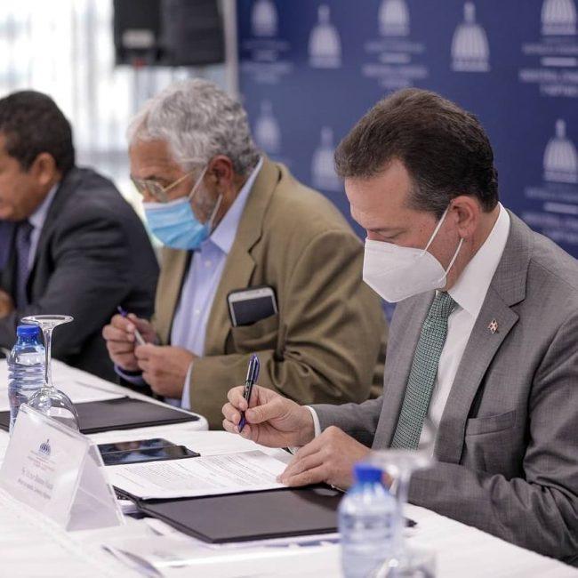 Consejo de Zonas Francas aprueban la instalación de nueve empresas en tres regiones del país