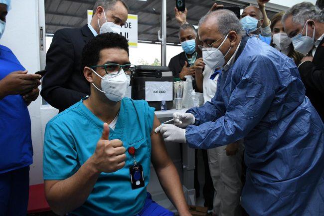 14,264 personas han sido vacunadas contra la COVID-19 en RD