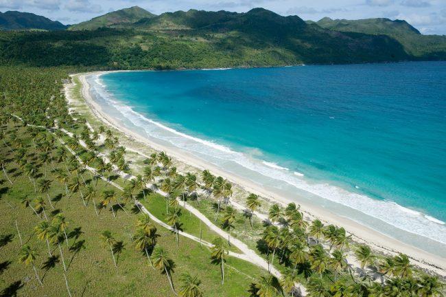Playa Morón, uno de los lugares más paradisíacos que ofrece República Dominicana