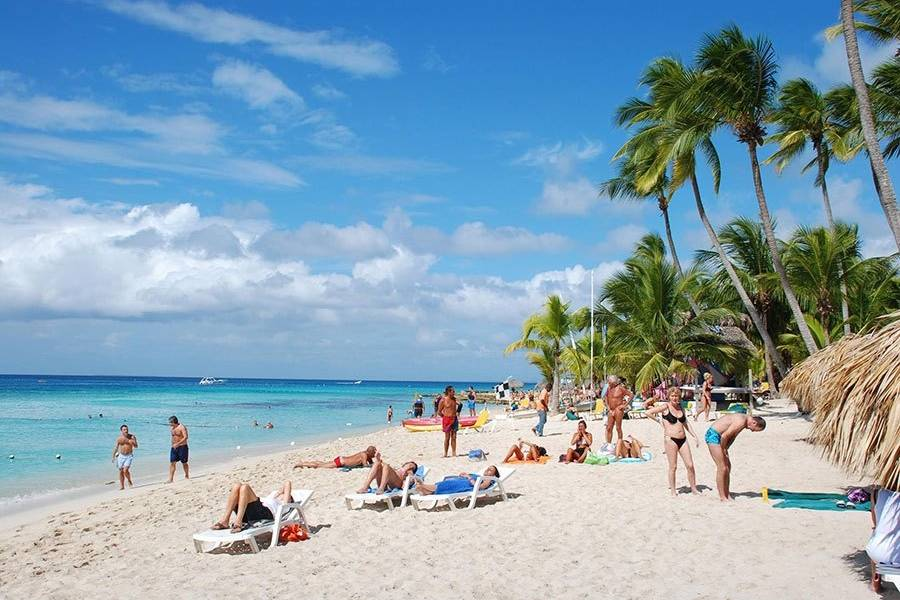 RD podría cerrar el año con la llegada de cuatro millones de turistas