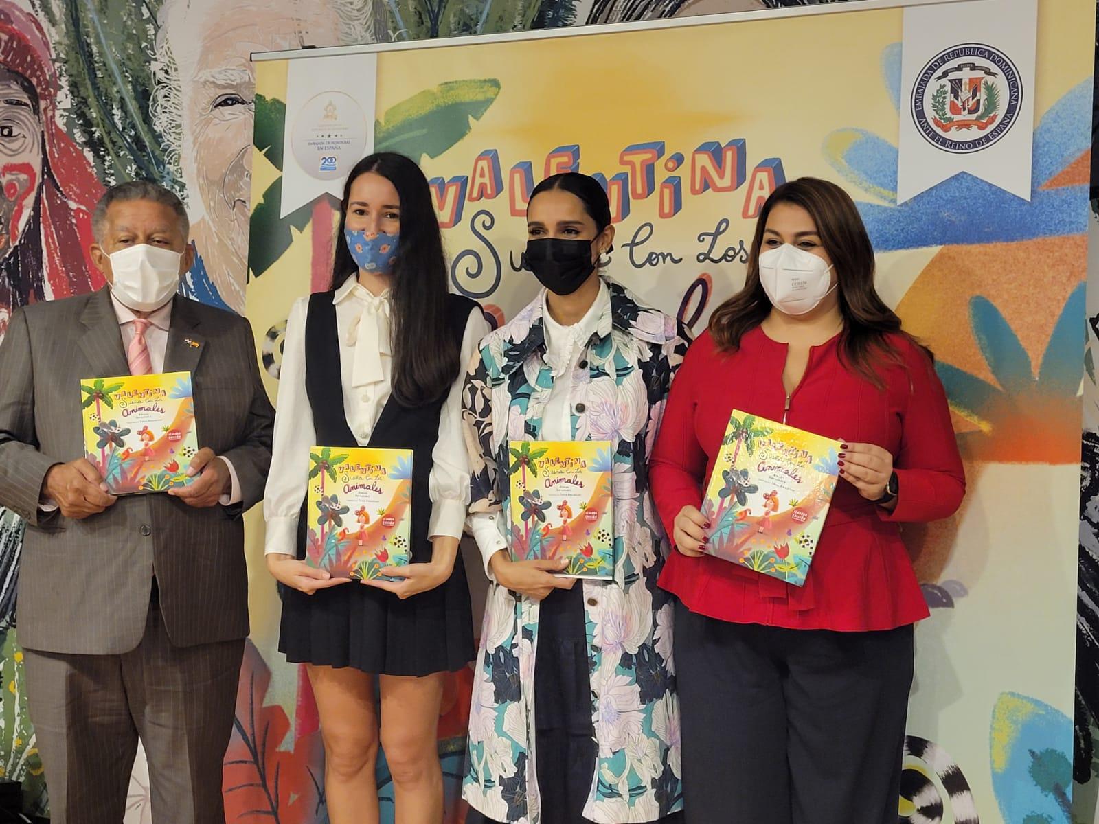 """Feria del Libro Madrid: Presentan libro """"Valentina sueña con los animales"""", ilustrado por dominicana Taína Almodóvar"""