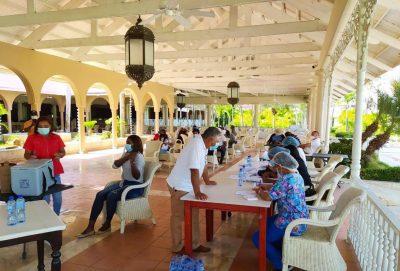 Jornada de vacunación al personal de turismo
